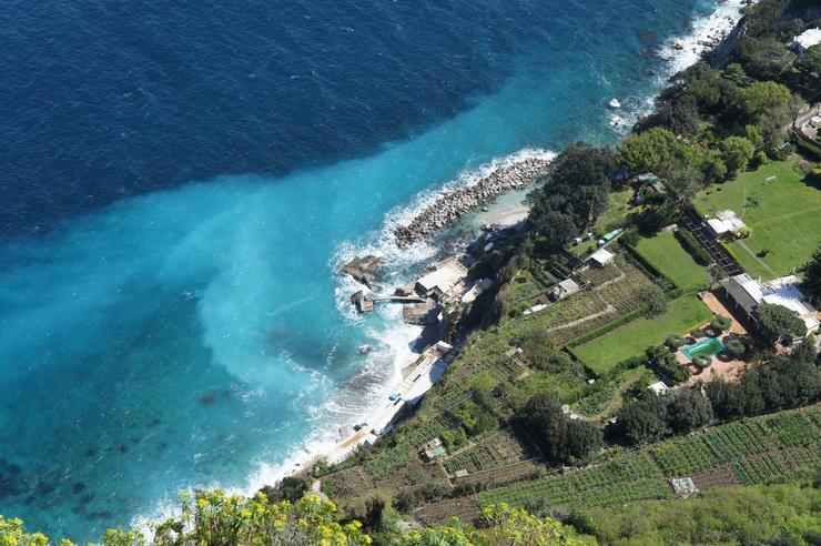 Во второй половине XIX века Капри стал популярным курортом для европейских  художников 39730c9e01b0e