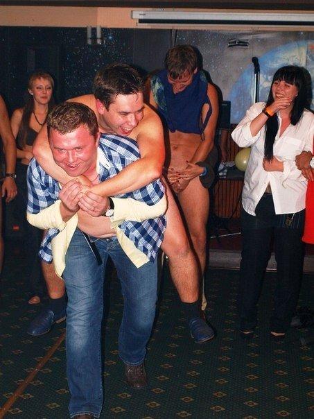 orgii-v-derevenskom-klube