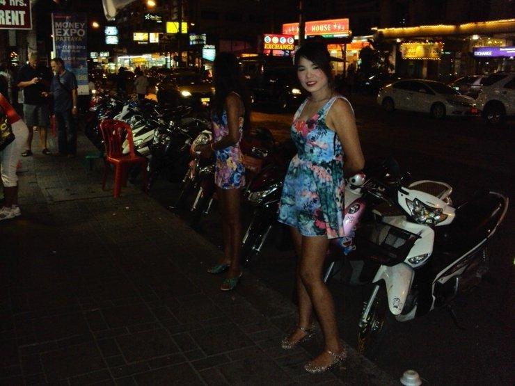 как в тайланде зарабатывают девушки на улице смотреть видео