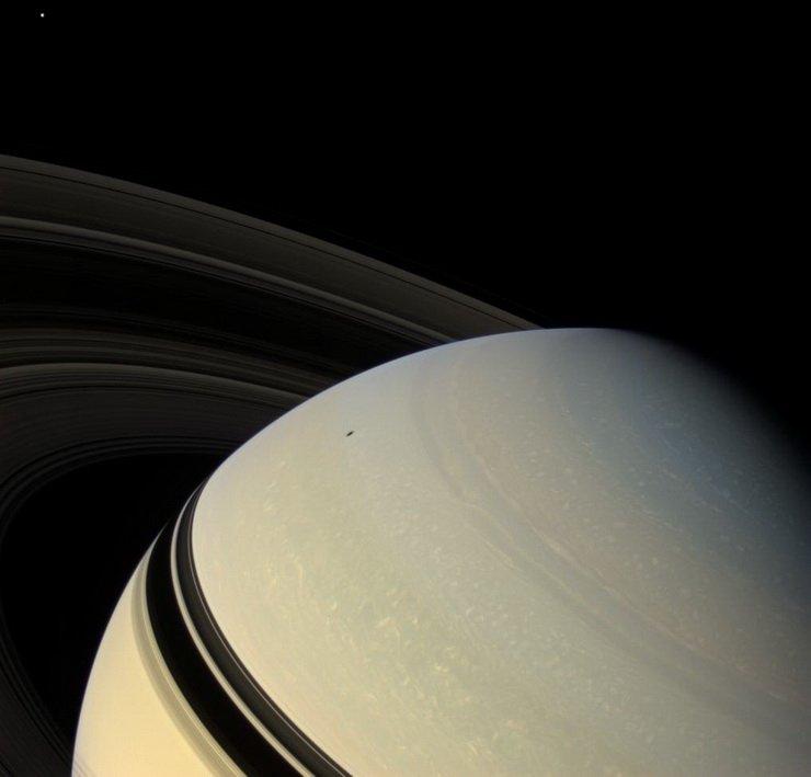 продумайте фотографии кассини на сатурне своем канале роман