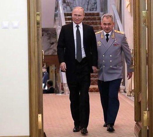 Фото дня - російські ЗМІ фальсифікують зріст прем'єра Медведєва - Цензор.НЕТ 3278