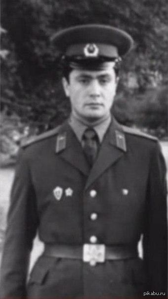 Пётр Порошенко во время службы в рядах советской армии,1985г.