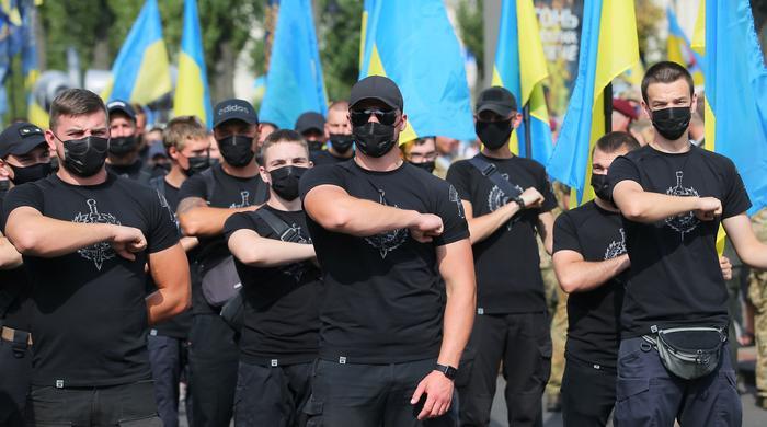 Украинские националисты провели «Марш защитников Украины» - Газета.Ru