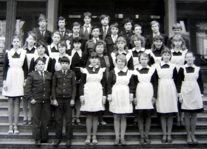 Картинки по запросу школьная форма для девочек СССР