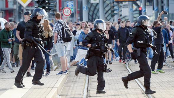 Вводится идеальная диктатура: Репрессии уже начались