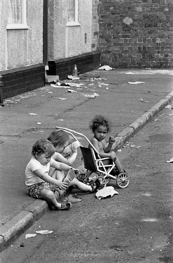 Children playing in the gutter, Winson Green 1971.