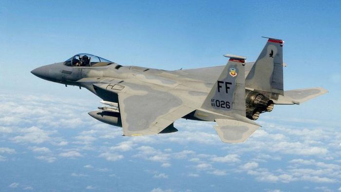 NI рассказал о слабостях последней версии F-15 перед Су-35