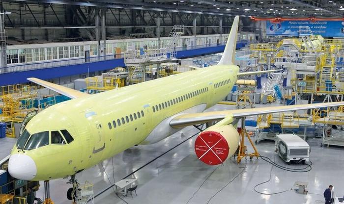 Россия производит самые передовые вещи - от комбайнов до самолетов