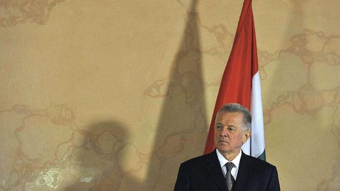Диссергейт Интересные новости комментарии дискуссии и  В апреле 2012 года президент Венгрии Пал Шмитт объявил об отставке в связи со скандалом с его диссертацией Господин Шмитт был обвинен в плагиате и лишен