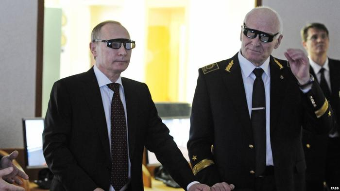 Владимир Путин и Владимир Литвиненко в лаборатории Горного университета