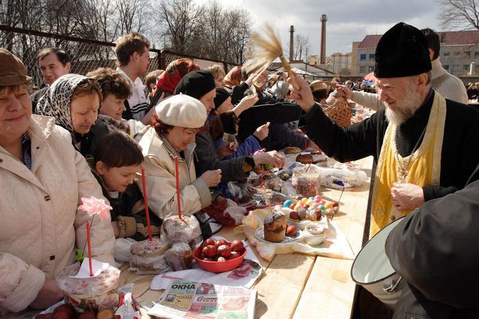 Как православные язычники проявляют себя на Пасху