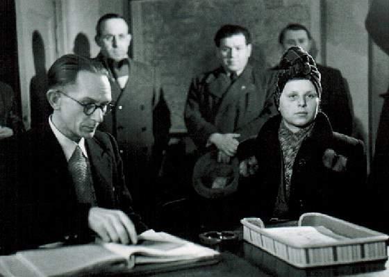 Стелла на допросе. 1946 год