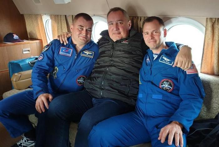 Почему выжили космонавты «Союз МС-10» 1