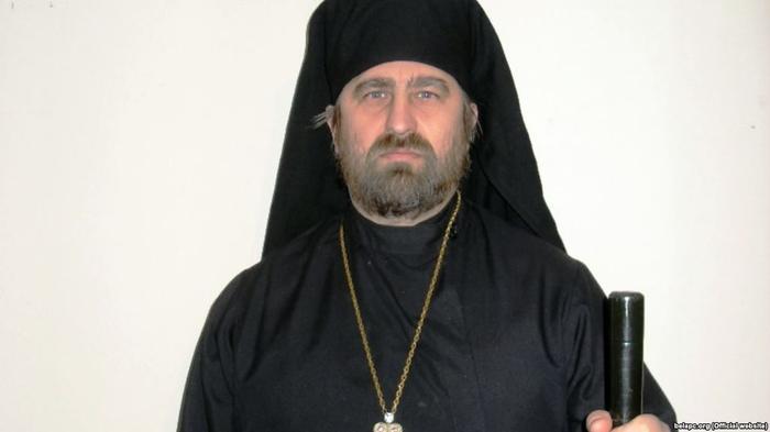 Першагерарх Беларускай Аўтакефальнай Праваслаўнай царквы, архіяпіскап Сьвятаслаў Логін.