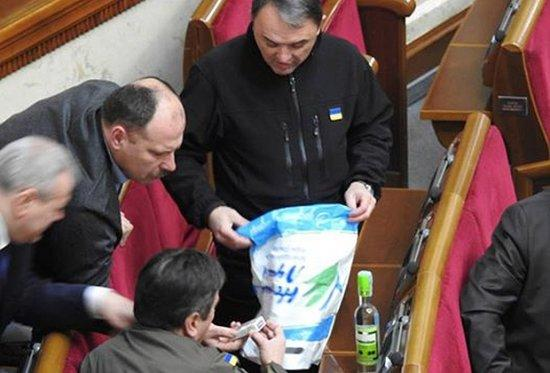 Украинцы возмутились, обнаружив крымские товары на полках магазинов в Беларуси