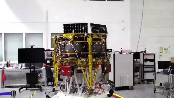 Лунная миссия «Берешит» - совершен переход на лунную орбиту, впереди 6 маневров и 1 поса