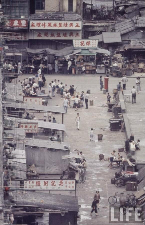 the history and fate of hong kong as a british colony From its earliest days as a british colony, hong kong served as a centre of international trade in the turbulent years of the early 20 th century, the city's population was bolstered by refugees, mostly from china.