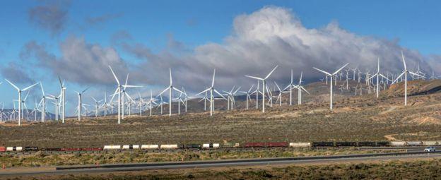 Ферма ветряков под Лос-Анджелесом