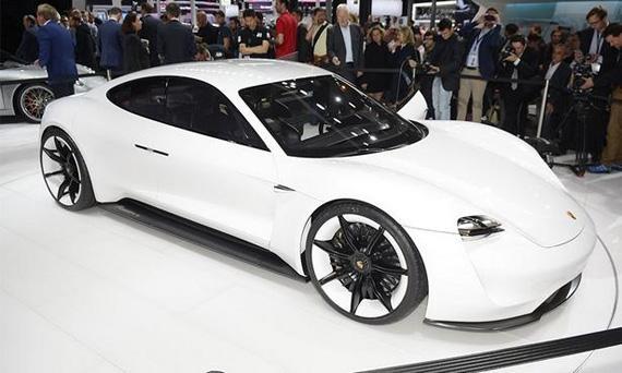 Электрический концепт Porsche Mission E / Порше Мишн Е
