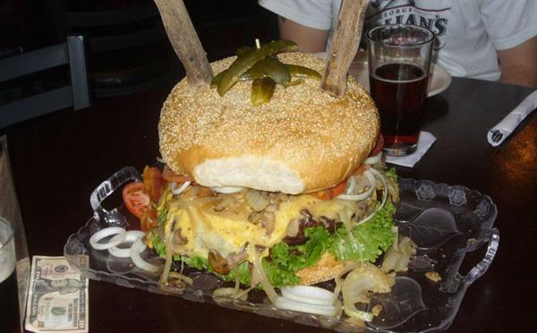 10 гигантских блюд - за счет заведения Гамбургер, Буррито, Хот-Дог, Пицца, Стейк, Сэндвич, Гигантские блюда, Обжорство, Длиннопост