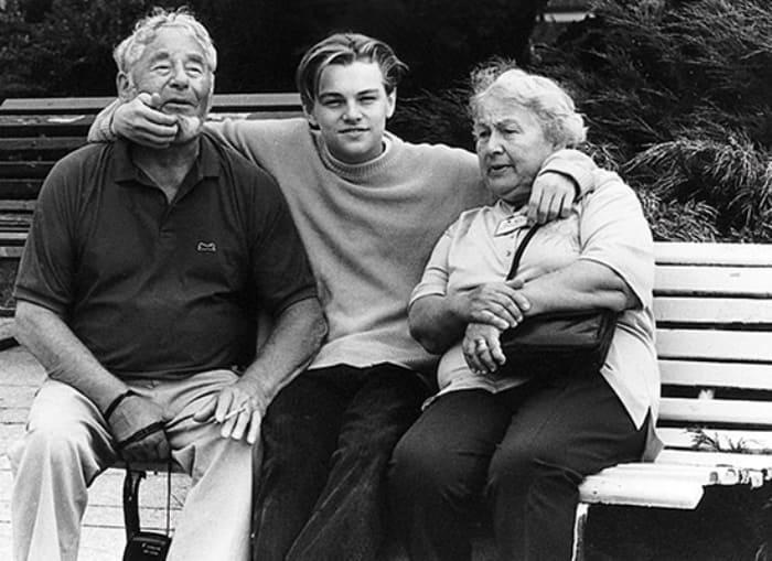 Леонардо ди Каприо с дедушкой и бабушкой   Фото: vesti-ukr.com