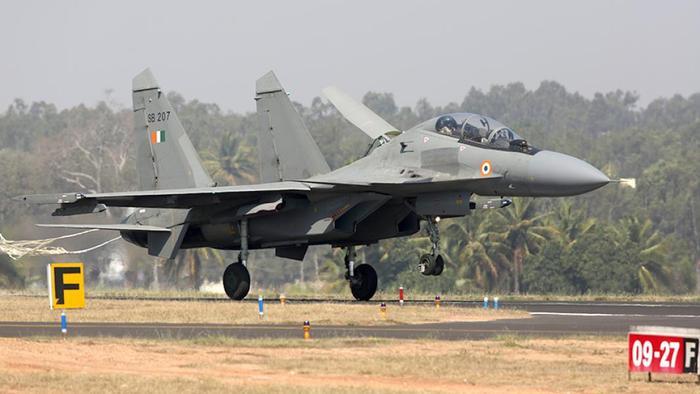 Истребитель Су-30МКИ на Международной авиационно-космической выставке Aero India в Бангалоре