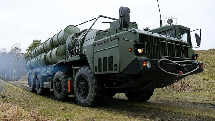 Зенитный ракетный комплекс С-400 «Триумф» во время тактических учений дивизионов