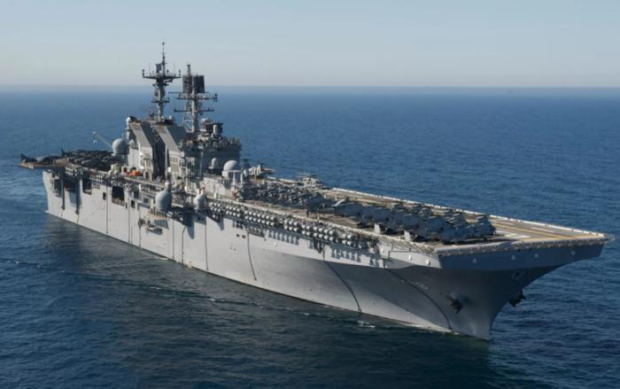 Американский эсминец Дональд Кук