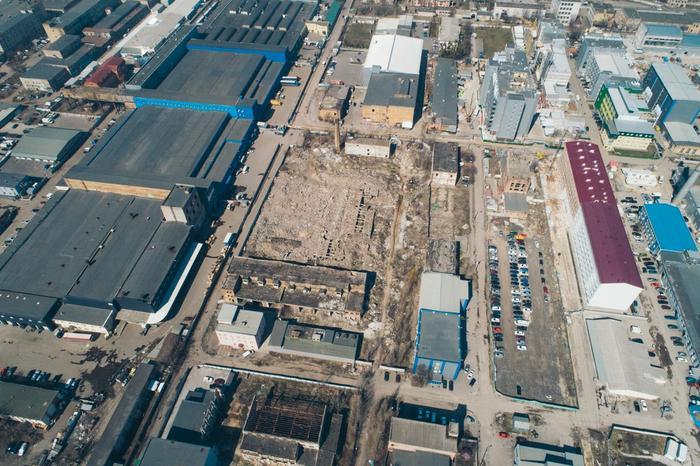 В 1996 году работа завода была прекращена