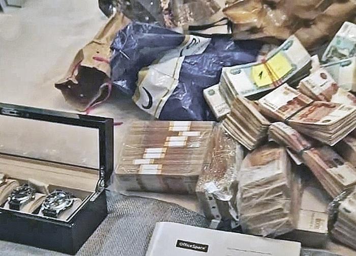 Только денег нашли полмиллиарда наличкой. Фото: СК РФ