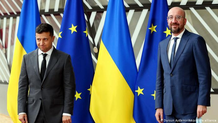 Президент Украины Владимир Зеленский и глава Евросовета Шарль Мишель