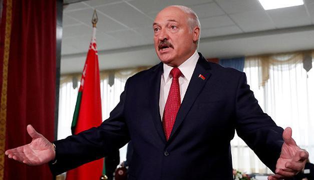 «В плен никого не берем»: Лукашенко пригрозил оппозиционерам расправой
