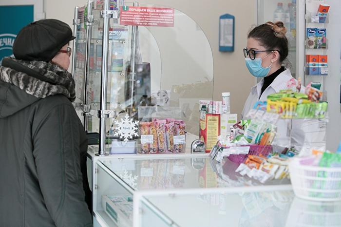 «С завода маска уходит за 4 рубля, а в аптеке стоит 20»
