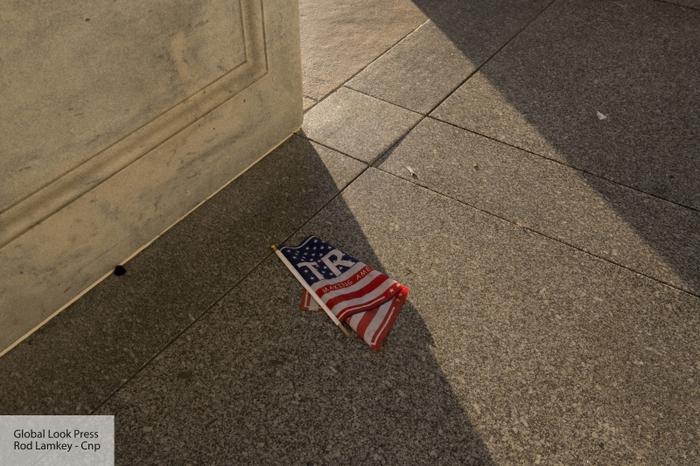Американист рассказал о сюрреалистичном захвате Капитолия