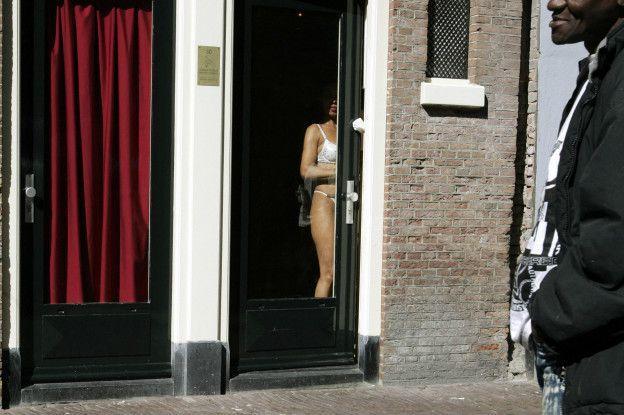 проститутки в окнах
