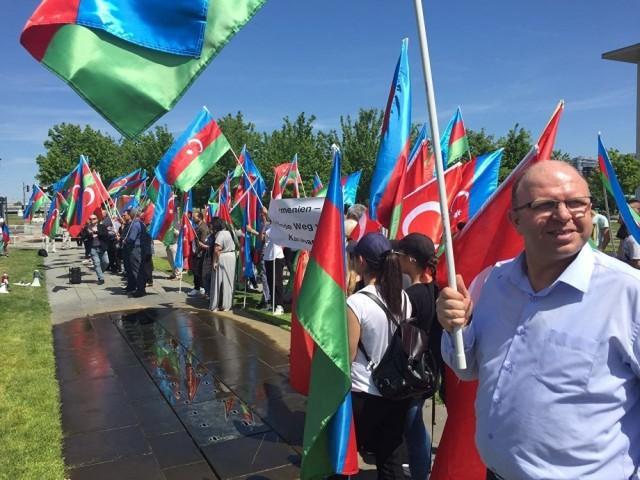 Русские в Баку стали заложниками инцидента в Новосибирске