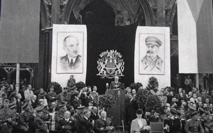 ЧССР Сталин и.png