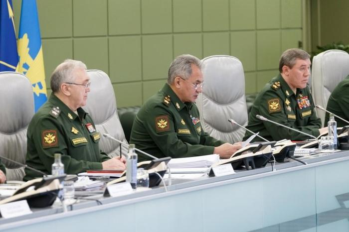 Шойгу констатировал деградацию контактов с США по военной линии