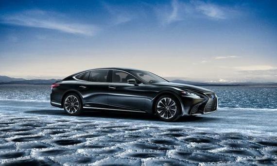 Гибридный седан Лексус LS 500h 2018 / Lexus LS 500h 2018