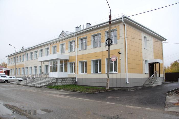 Капитально отремонтированная детская поликлиника в Славгороде.