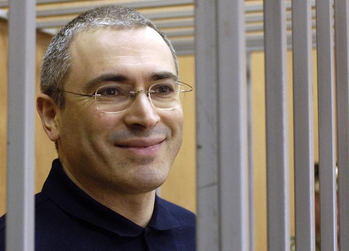 Псевдопатриот Ходорковский координирует митинги из своей лондонской квартиры