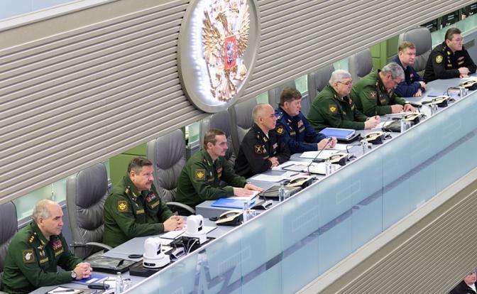 На фото: во время селекторного совещания министра обороны РФ Сергея Шойгу в Министерстве обороны РФ