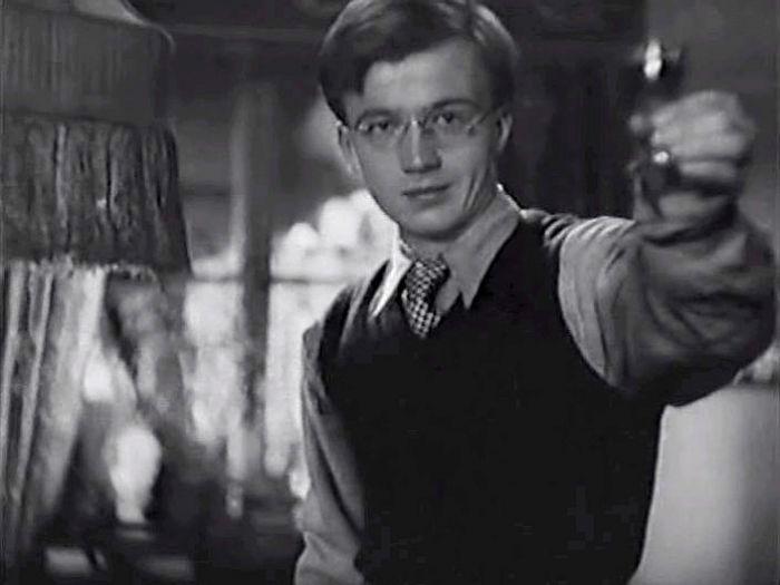 Алексей Консовский, кадр из фильма «Болотные солдаты», 1938 год. / Фото: www.kino-teatr.ru
