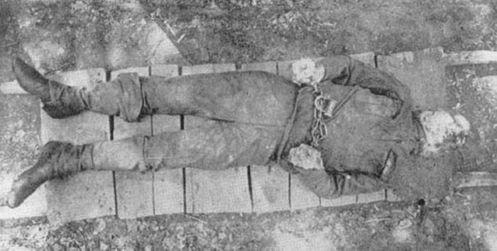 Сибирь. Енисейская губерния. Офицер Иванов, замученный под пытками.