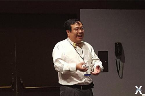 Профессор Фонг объявил о предстоящих испытаниях вируса, убивающего раковые клетки