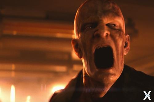 """Монстр из фильма """"Я легенда"""" - когда-то его, еще нормального, заразили вирусом, убивающим раковые клетки"""