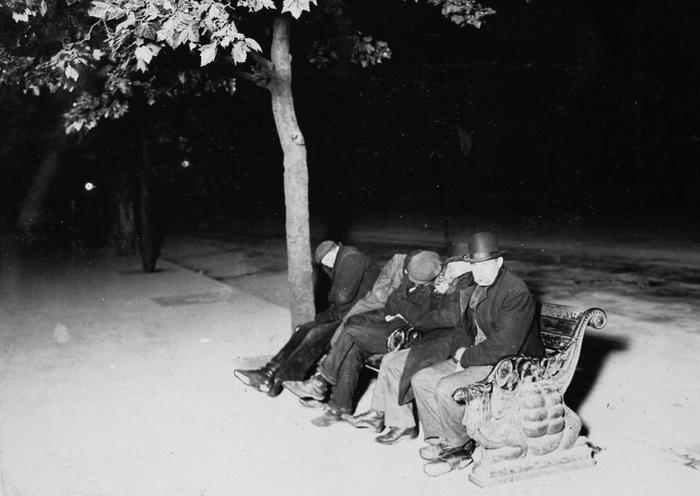Бездомные на набережной Темзы. Лондон, 1902
