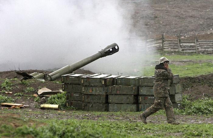 На границе Армении и Азербайджана начались бои