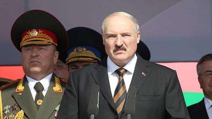«Мне стыдно носить ваш орден»: Владимир Спиваков вернул награду Лукашенко