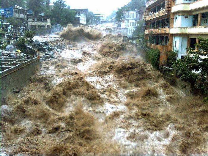 essay on disaster of flood